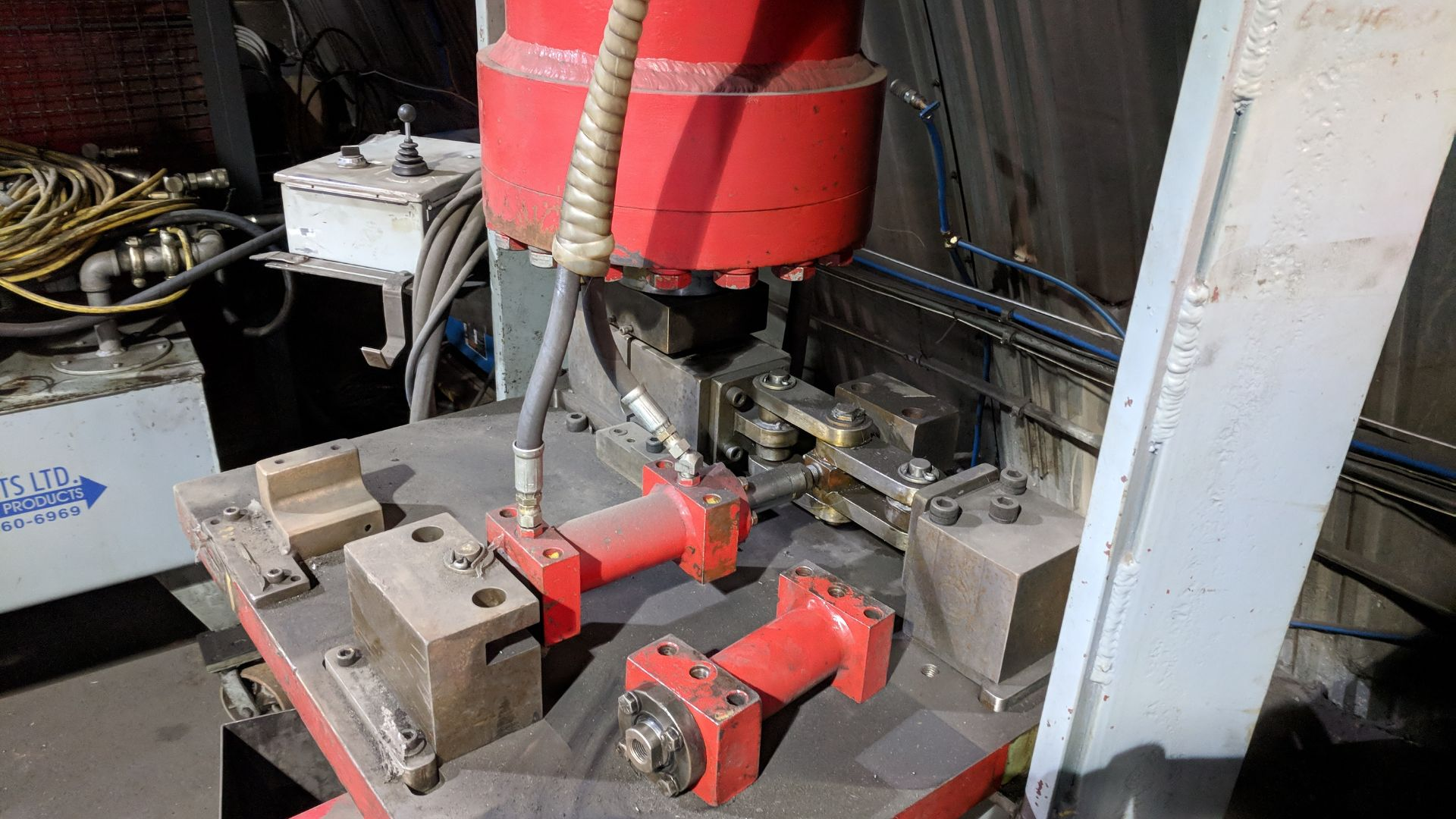 Lot 43 - CROWN HEAVY DUTY HYDRAULIC SHOP PRESS WITH MULTI POWER PRODUCTS POWER PACK, S/N N/A (CI)