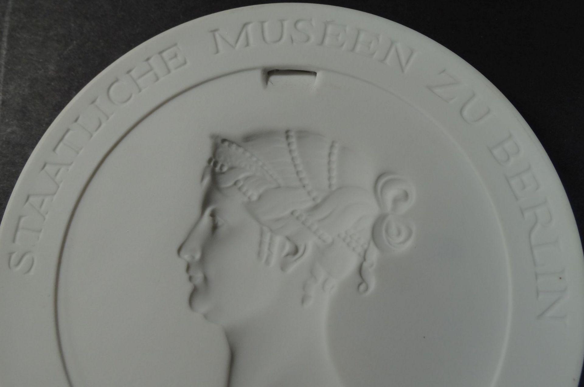 """Los 1048 - Meissen Plakette """"Staatliche Museen zu Berlin"""", D-10 cm,"""
