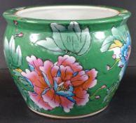 grosser Blumenübertopf, China, H-16 cm, D-20 c