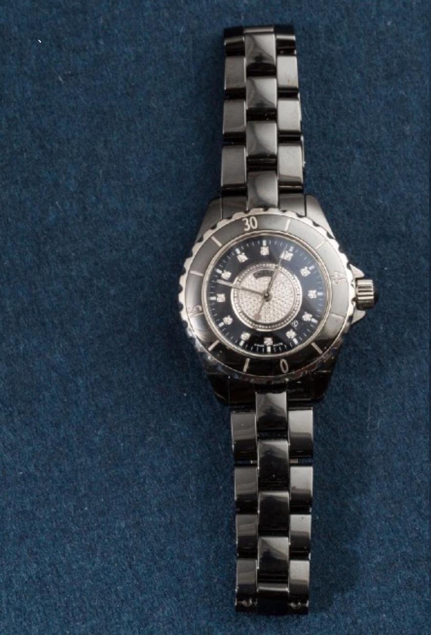 Lot 15 - CHANEL, Ladies J12 bracelet watch