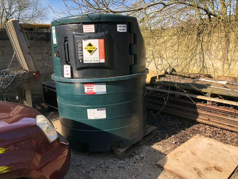 Lot 26 - Harlequin 1400FP Fuel Point - bunded diesel tank with pump and delivery hose Year: 2012 Serial No.