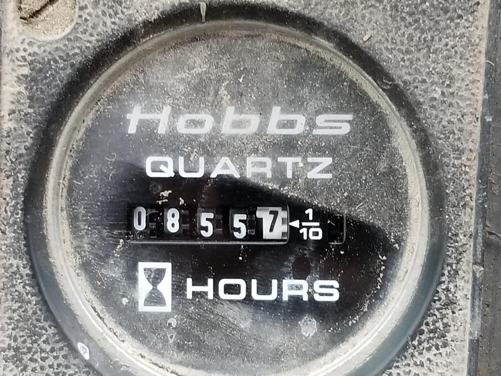 Lot 9 - 1977 Chargeur sur roues Clark 75C, 0855 hres, 453 litres, diesel, moteur GM, pneus 20.5X25, à