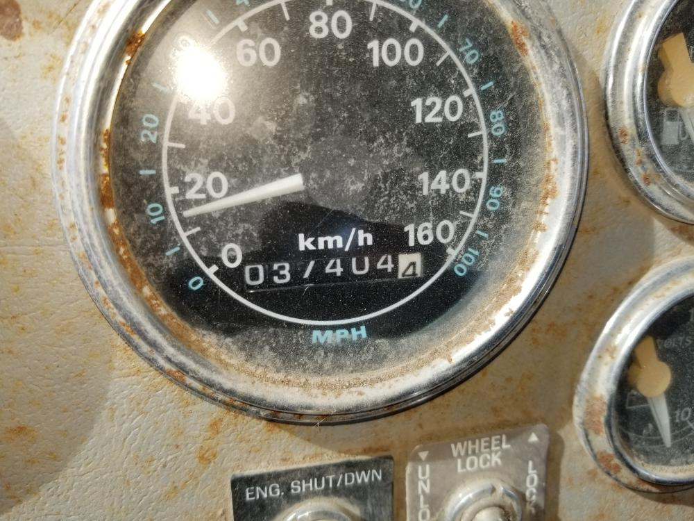 Lot 78 - 1995 Camion Ford LTL9000, 1 037 404 km, 13 vit., 400 HP, diesel différentiel Rockwell, moteur