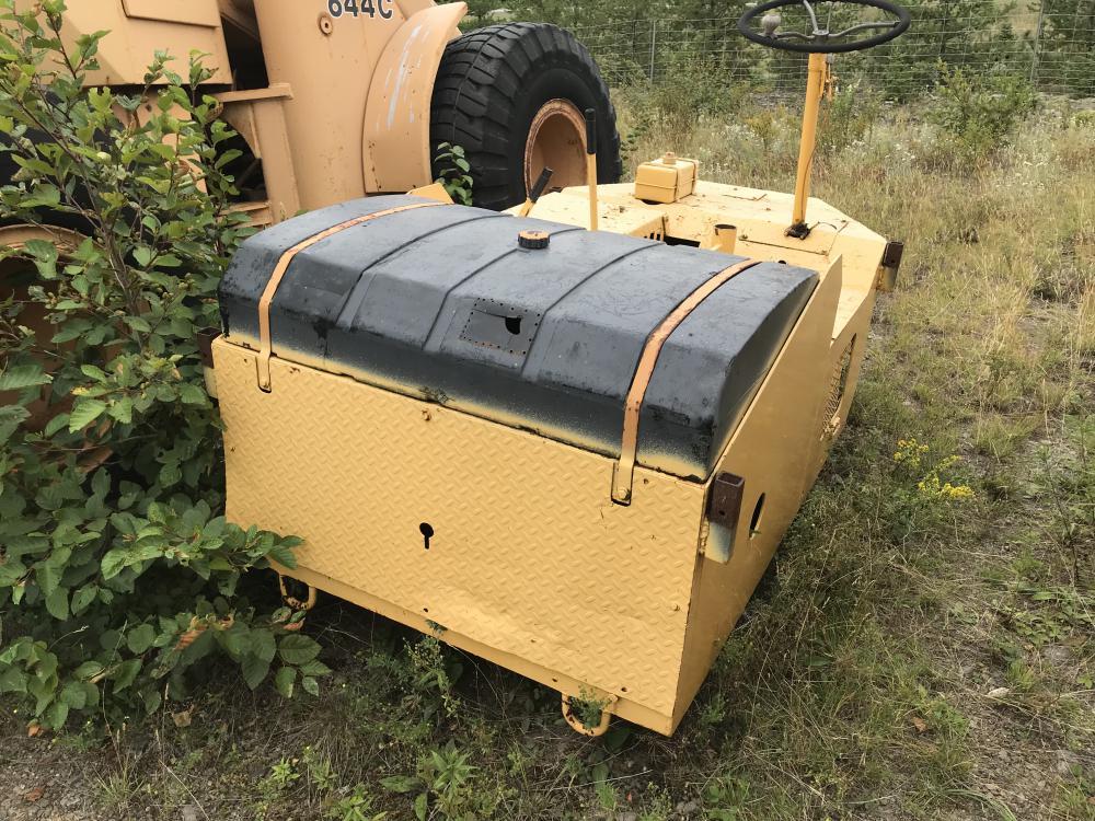 Lot 36 - Rouleau compacteur sans enregistrement