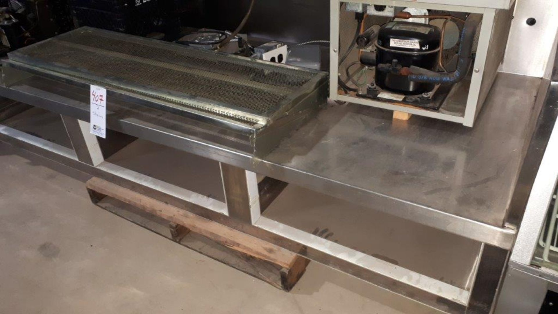 8' Stainless steel equipment table - Image 2 of 2