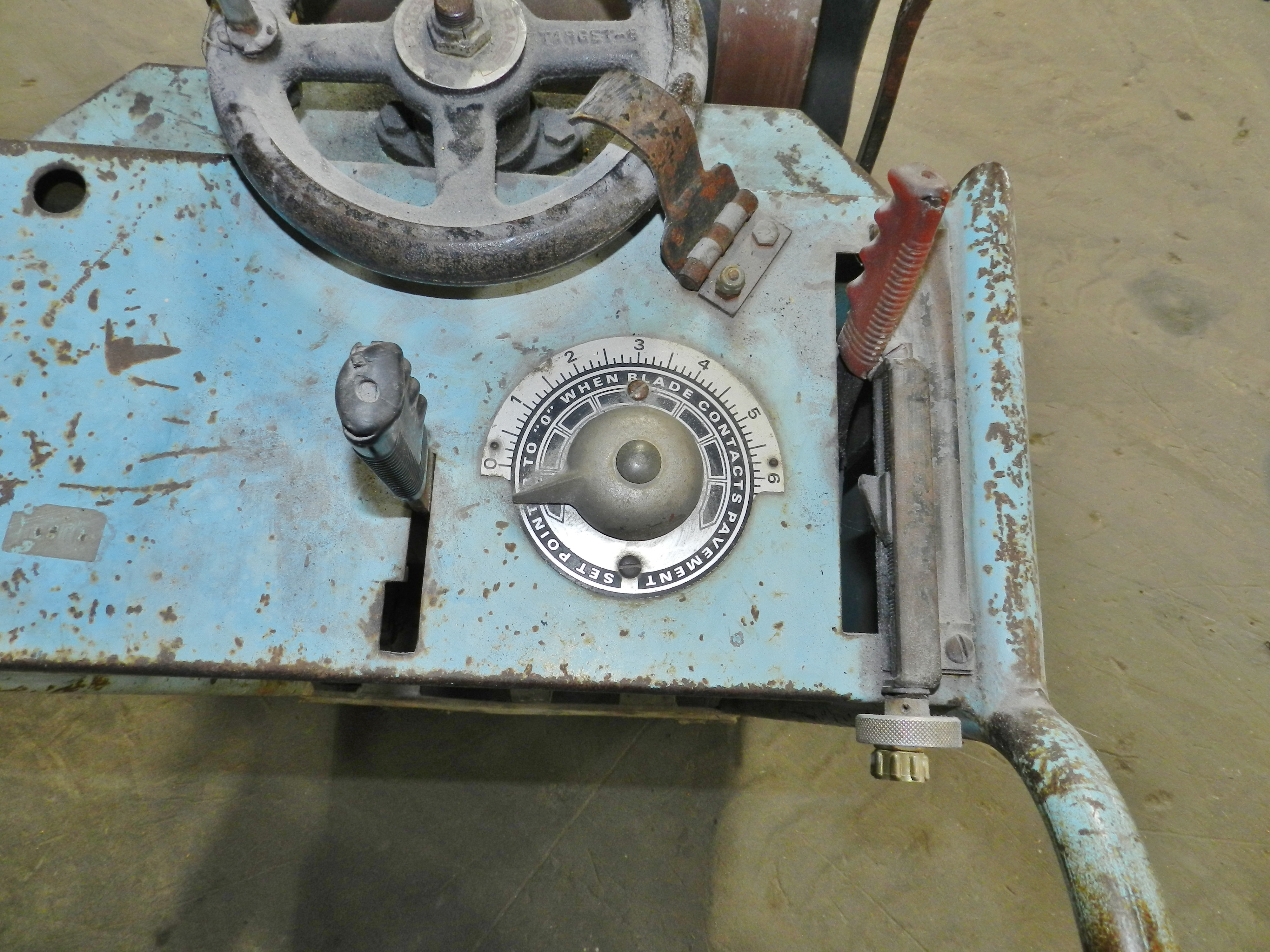 Lot 61 - Target EC185 Concrete Saw