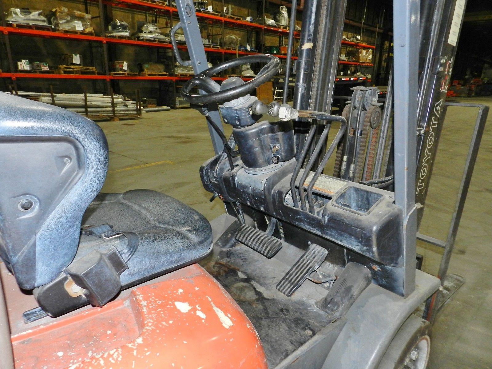 Lot 2 - Toyota 5000lb LP Forklift