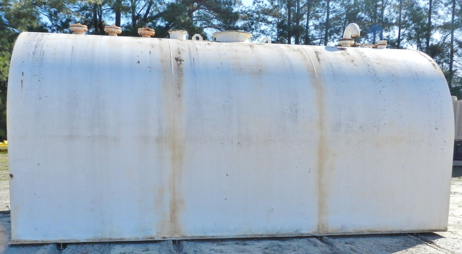 Lot 37 - Bendel 6400 Gallon Fuel Tank