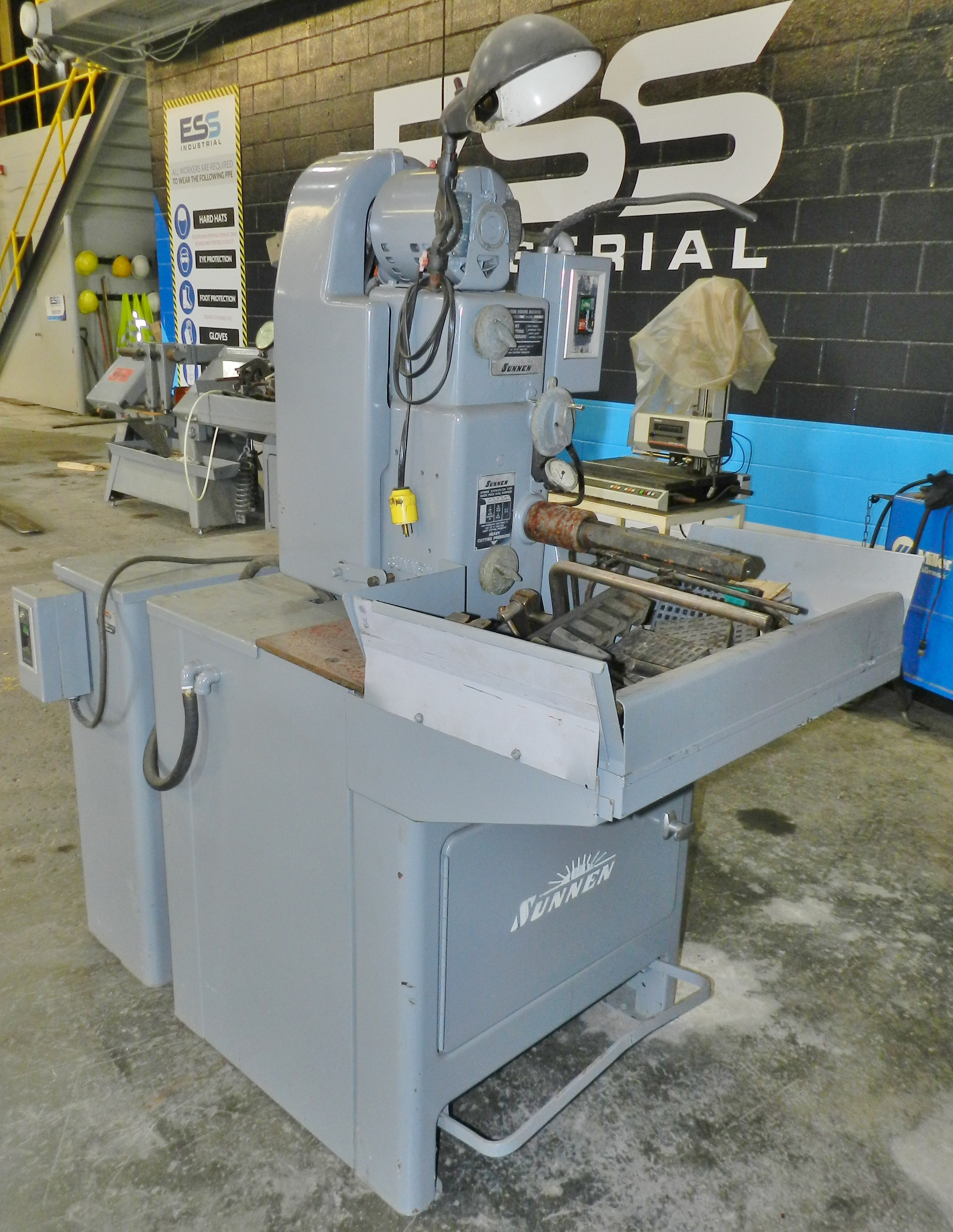 Lot 49 - Sunnen Manual Stroke Precision Honing Machine