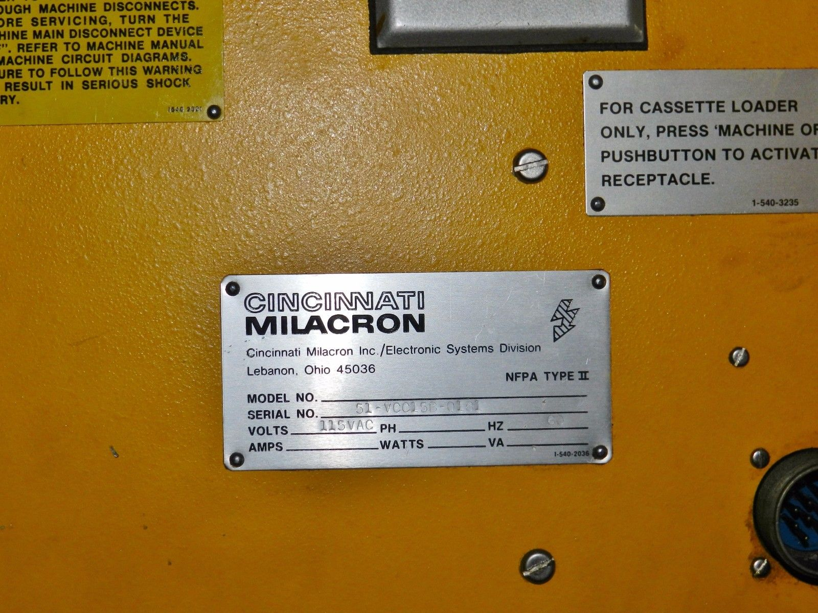 "Lot 18 - Cincinnati Milacron Horizontal Mill 10"" x 50"" Acramatic Control"