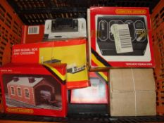 OO GAUGE - A group of Hornby buildings and control