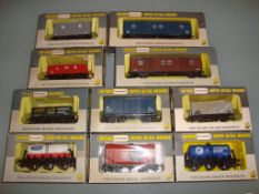 OO GAUGE - A mixed group of ten Wrenn wagons as lo