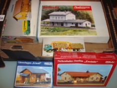 HO GAUGE - A tray of HO scale building kits by Auh