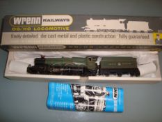 OO GAUGE- A Wrenn W2247 Castle Class locomotive 'C
