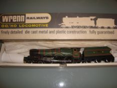 OO GAUGE - A Wrenn W2222 Castle Class locomotive i