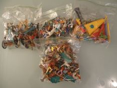 LARGE QUANTITY OF WILD WEST THEMED MIXED PLASTIC F