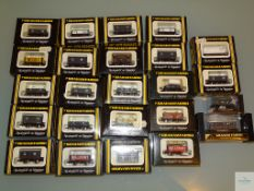 N GAUGE - GROUP OF BRITISH OUTLINE FREIGHT WAGONS by GRAHAM FARISH - G/VG in F/VG boxes (24)