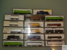 N GAUGE - GROUP OF JAPANESE OUTLINE FREIGHT WAGONS BY KATO - E in VG boxes (17)