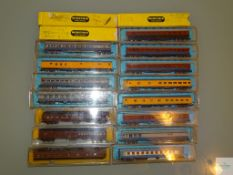 N GAUGE - GROUP OF AMERICAN OUTLINE PASSENGER CARS by RIVAROSSI, ATLAS, MINITRIX etc - G/VG in F/G