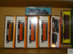 N GAUGE - GROUP OF US OUTLINE ROLLING STOCK - to include 2 STEAM LOCOMOTIVES AND PASSENGER CARS by