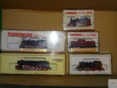 N GAUGE - GROUP OF GERMAN OUTLINE DIESEL AND STEAM LOCOS - FLEISCHMANN AND MINITRIX - G/VG in G