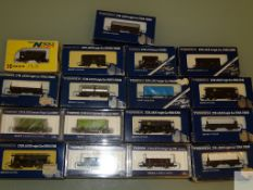 N GAUGE - GROUP OF JAPANESE OUTLINE FREIGHT WAGONS - by TOMIX - VG/E in G/VG boxes (17)