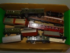 A group of mostly MÄRKLIN wagons and coaches as lotted - F/VG, unboxed (12)