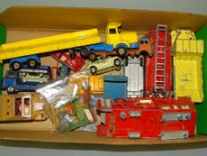 A tray of mixed diecast vans, lorries etc by various manufacturers including CORGI, DINKY etc in