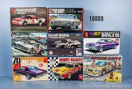 Konv. 8 Modellbausätze, amerik. Pkw, Slot Cars, Stock Car und Oldtimer, Kunststoffausf., M 1:24