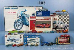 Konv. 25 Modellfahrzeuge, dabei Pkw, Sportwagen, Lkw usw., Kunststoff- und Metallausf., versch.