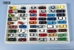 Konv. 54 H0 Modellfahrzeuge, dabei Pkw, Limousinen, Klein-Lkw, Gabelstapler usw., versch.
