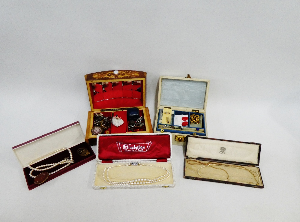 Lot 55 - A quantity of costume jewellery to include dress rings, brooches and faux pearls, etc (a lot)