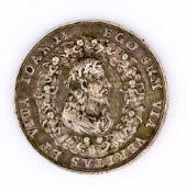Passions-Christus Medaille, Silber (?), wohl 17. Jh. Durchmesser 5 cm Vorderseite: Dornengekrönte