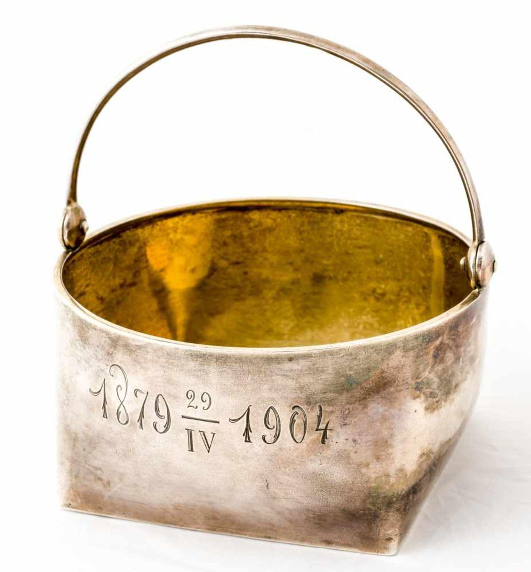 Henkelschale Russland, Silber (140g), Moskau 1904 Beschaumeister: I. Lebedkin Meister: Chlebnikov