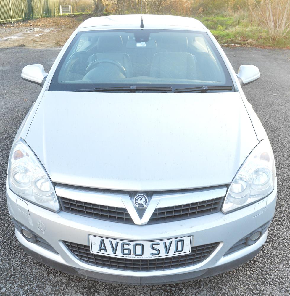 Vauxhall Astra CDTi Twintop Design Diesel Convertible Car