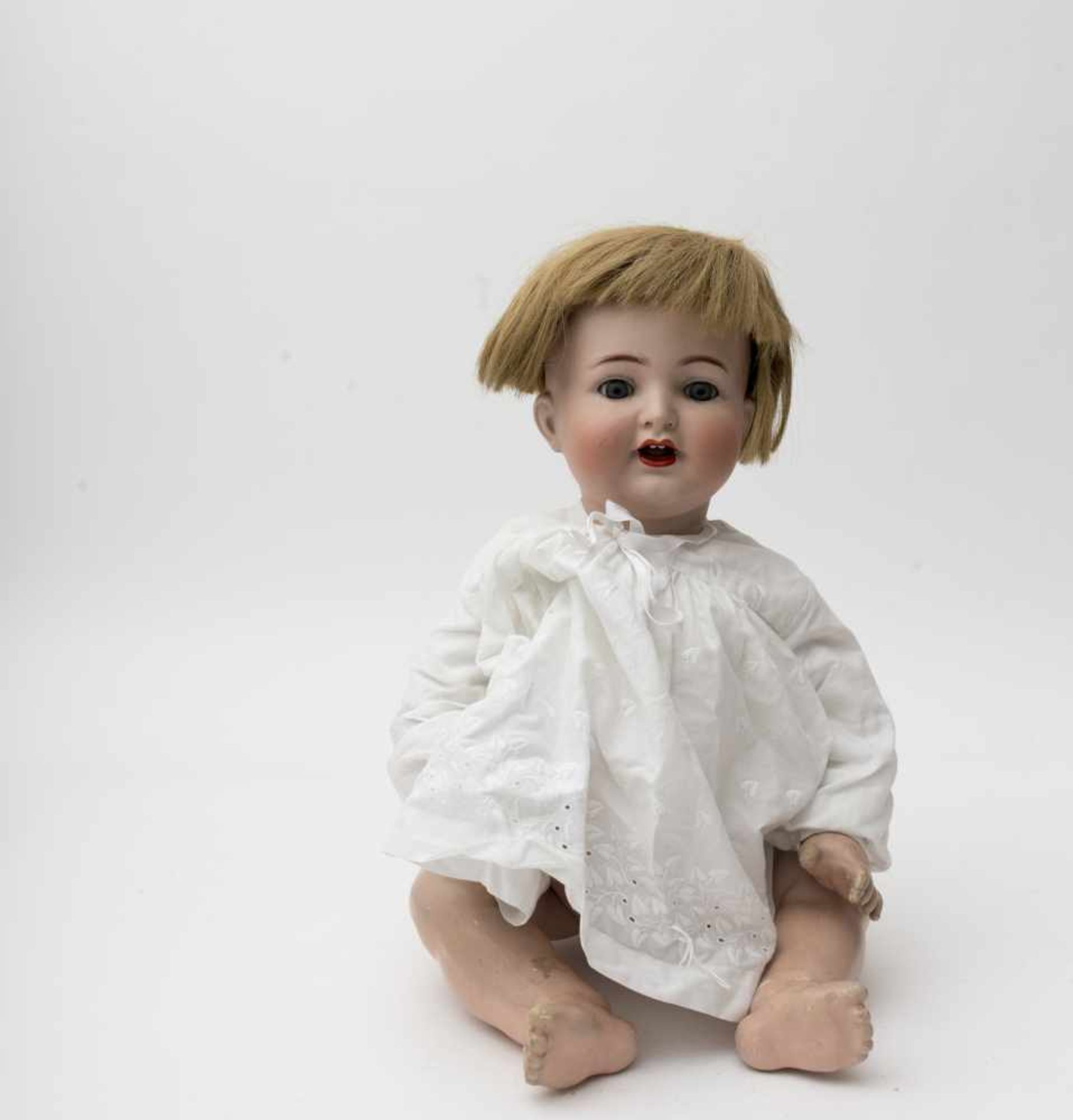"""Character baby doll Of German make, branded """"KR and SH n° 126"""", blue sleeping eyes, articulated body"""