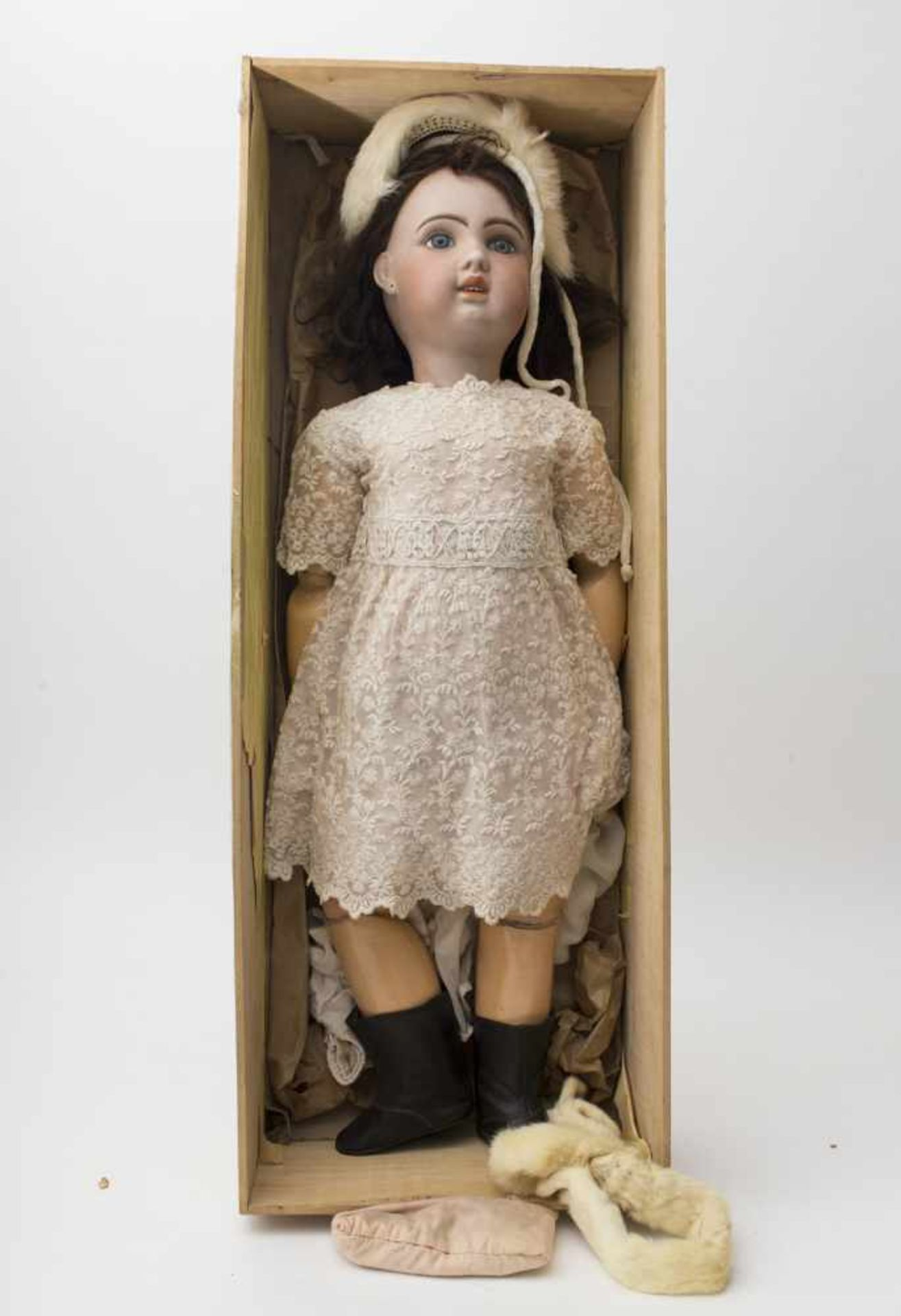 """Large SFBJ baby doll With cast biscuit head, open mouth, branded """"1907"""", size 14, fixed blue eyes,"""