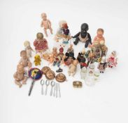 Set of mignonettes Little composition dolls and baby doll – celluloid and porcelain – part of a