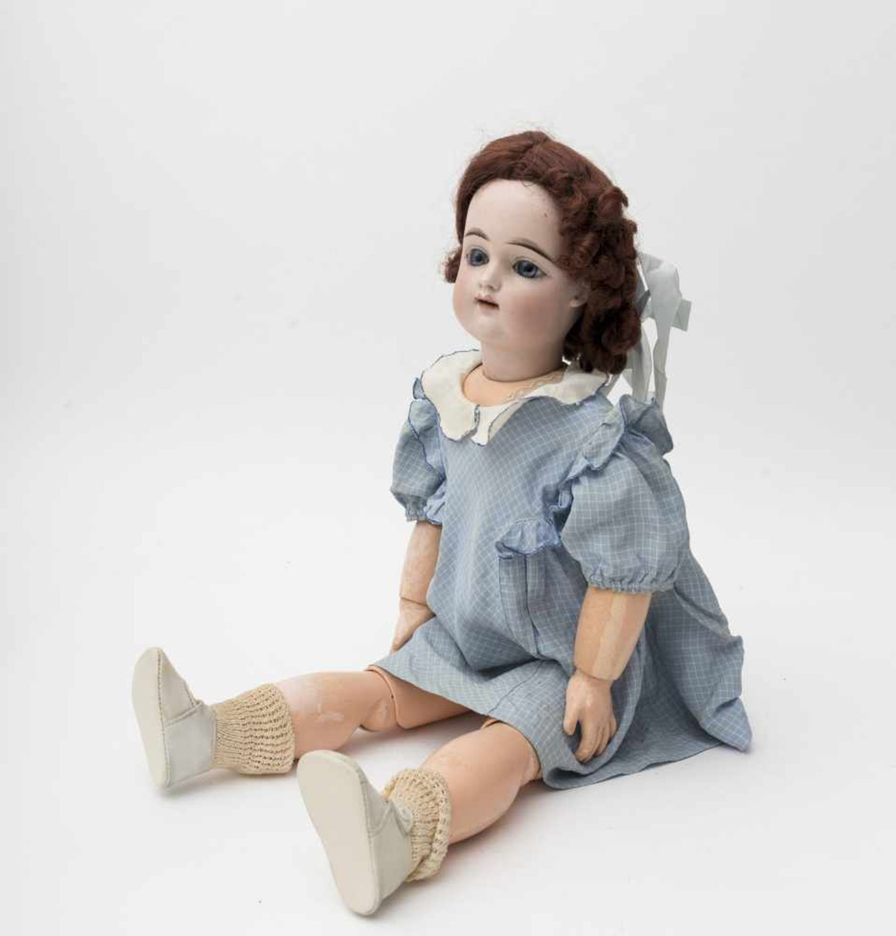 "French doll With biscuit head, open mouth, branded ""FG"" in an oval, size 10, fixed blue eyes,"