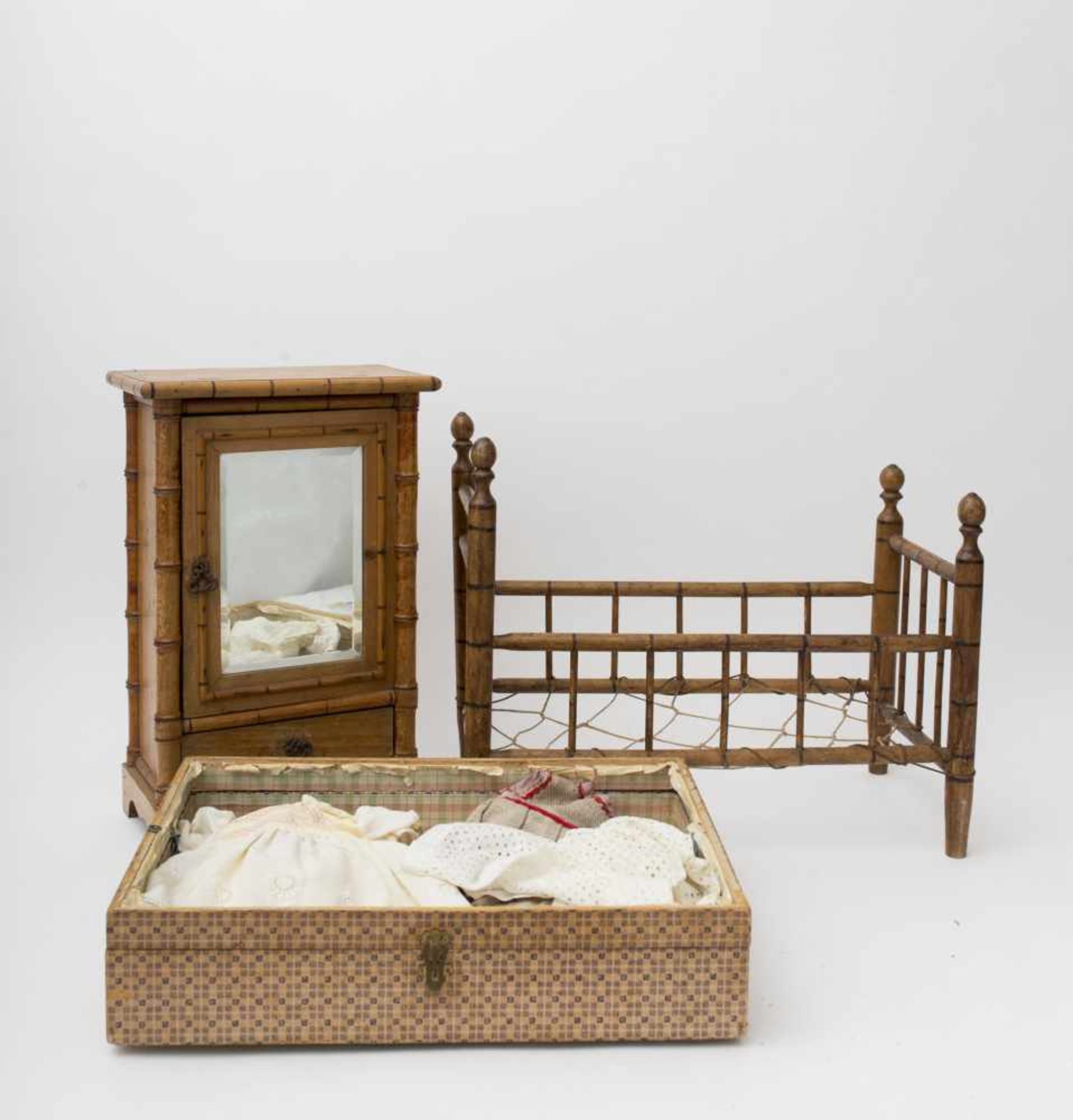 Set Comprised of doll dresses 7-8 – bed (43 x 24 x 32) and wardrobe (41 x 25 x 14) made of bamboo-