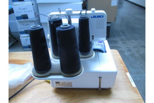 Overlock Serger Sewing Machine Juki MO400DE 400Needle 40040040Thread Interesting Prizzi Sewing Machine