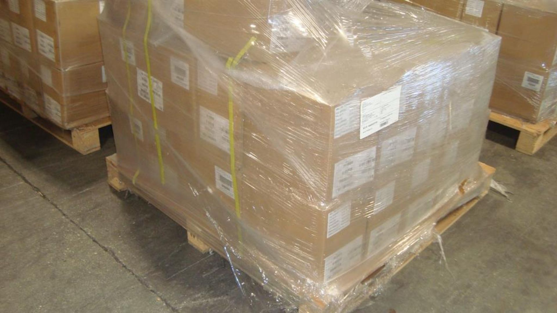 Extension Cords. Lot: 90 Total (45 Boxes - 2 ea.) Generac pn# 0061121-1 20ft, 30A Power Distribution - Image 7 of 8