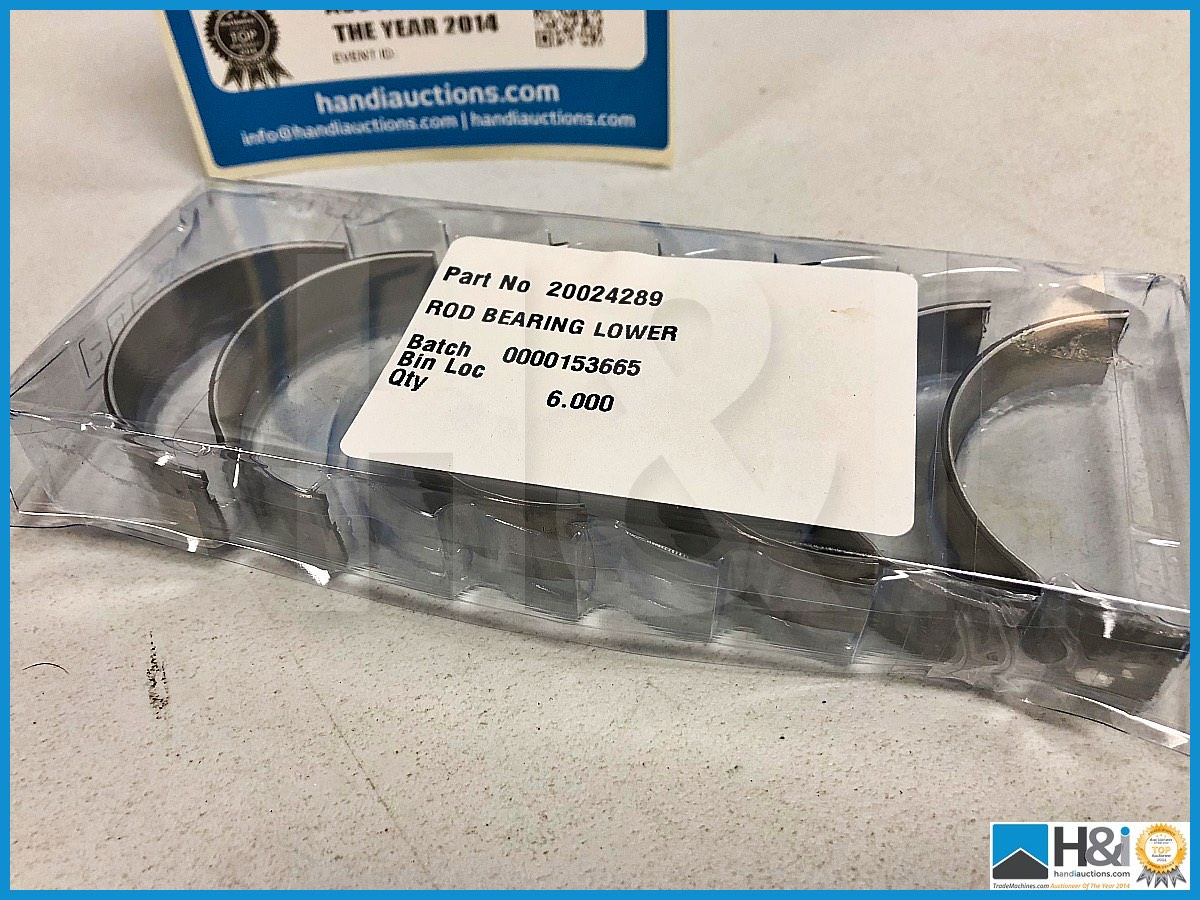 Lot 23 - 52 x Cosworth rod bearing lower. Code 20024289. Lot 247