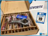 Lot 19 - 1 x Box of 6 Cosworth Lotus GL con rod assy - piston guided GT2. Code: 20024621. Lot 200