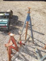 Lot 917 - AXLE STANDS