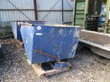 Lot 1560 - FORK LIFT TIPPING SKIP