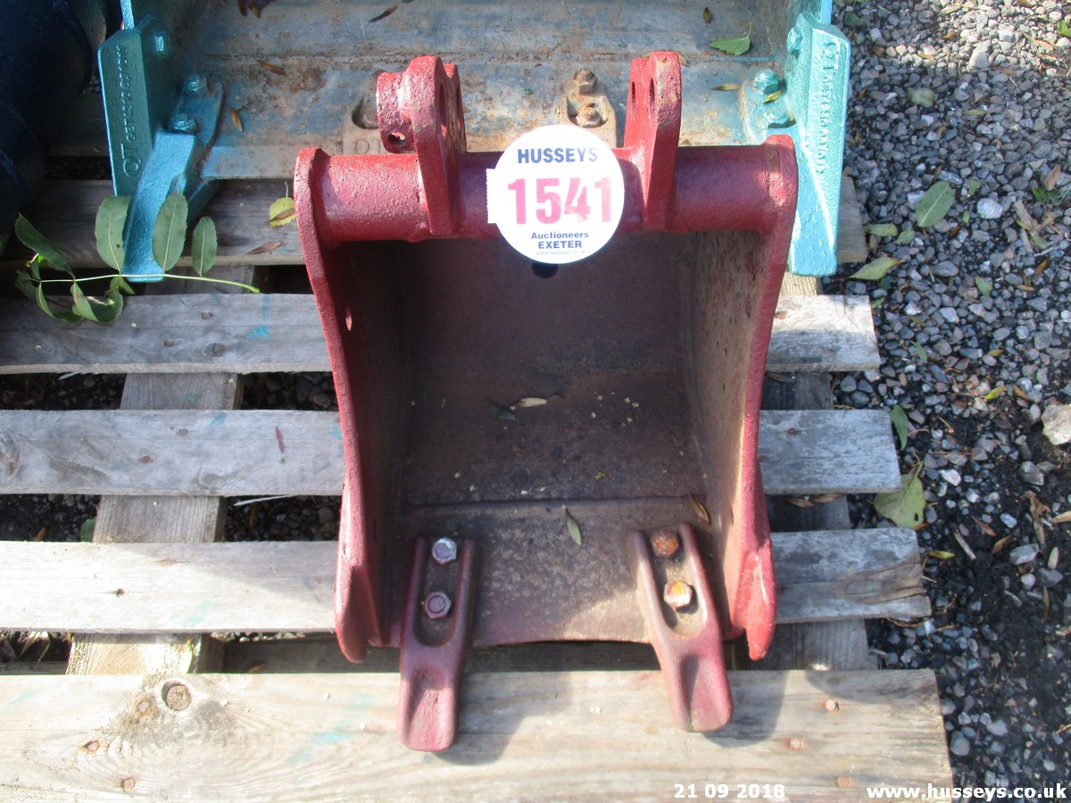 Lot 1541 - 12'' MINI DIGGER BUCKET