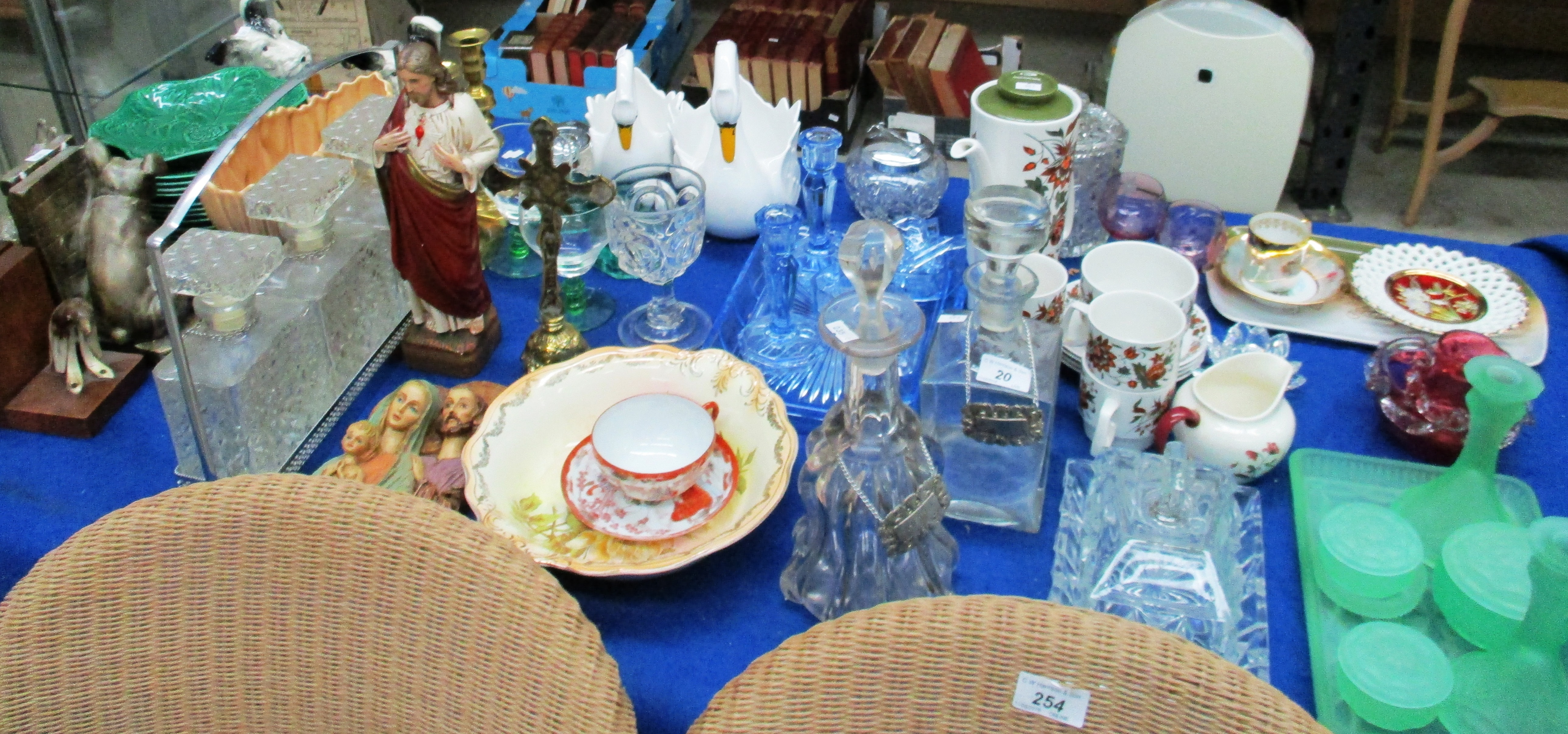 Lot 20 - Wedgwood green 'Cabbage' plates, 2 pairs of bookends, glassware, religious figures,