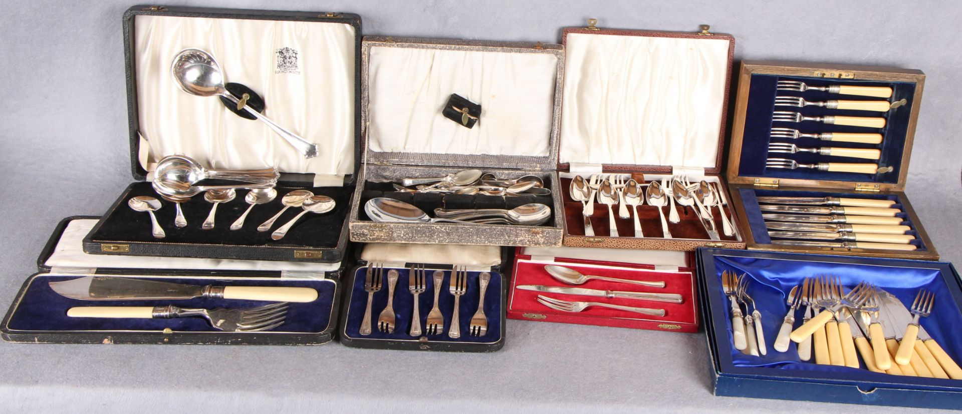 Lot 18 - Assorted plated cutlery,