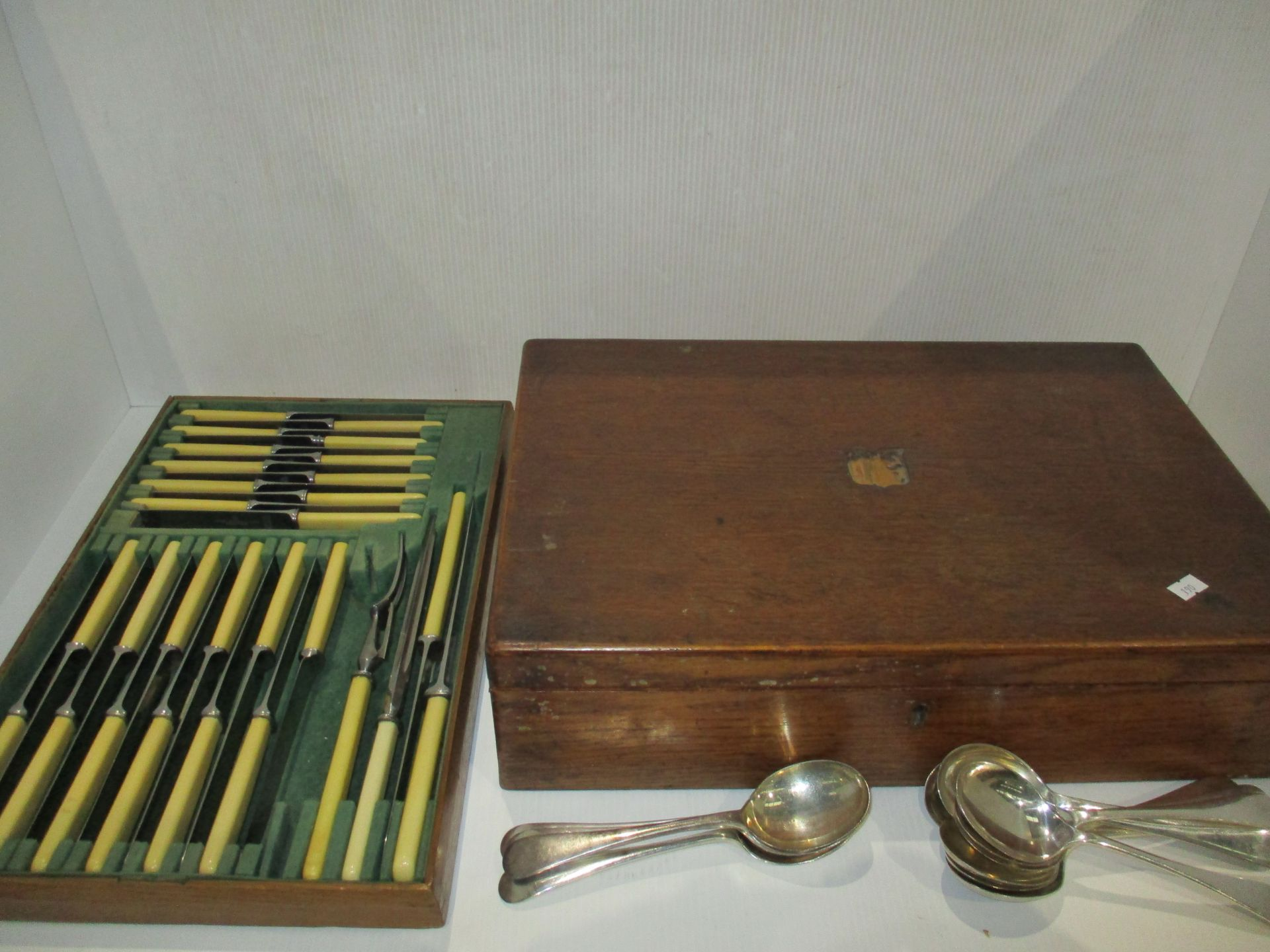 Lot 22 - A near complete canteen of plated cutlery in oak case complete with some spare spoons